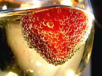 Champagne con fragola