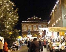 Piazza Cavour a Natale