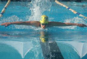 Nuotatrice allo Stadio del nuoto di Riccione