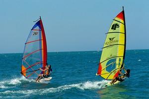Vele di Windsurf a Cattolica